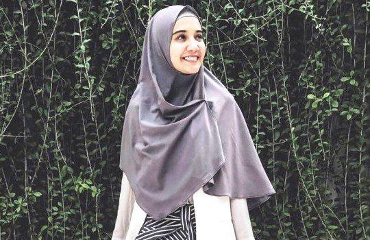 Tips Cara Tampil Stylish dengan Hijab yang Menutup Dada