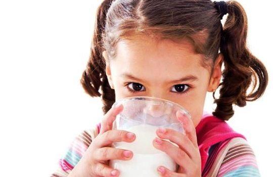 Ketahui Pentingnya Laktosa untuk Tumbuh Kembang Anak